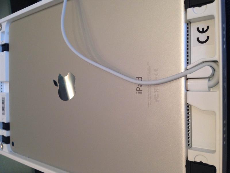 iPad в рамке